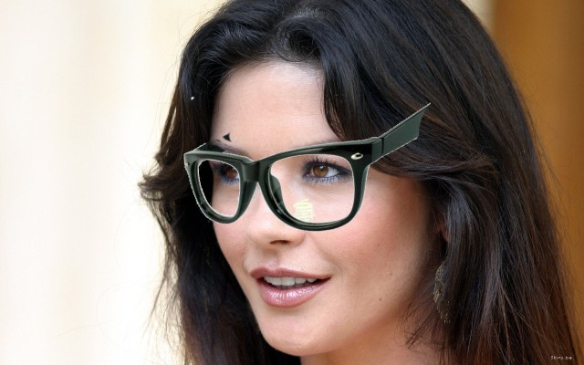 323956-catherine-zeta-jones